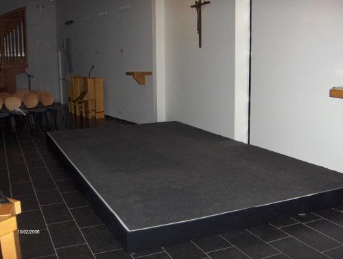 Podiumelementen met een vilt vloerbedekking of vinyl leverbaar in
