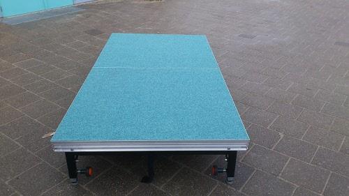 Podiumdeel speedi met een vinyl of vilt vloerbedekking in